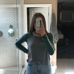 HOLLISTER Cropped Long Sleeve Shirt